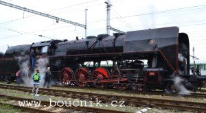 Parni-lokomotiva-475-101